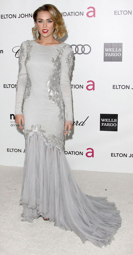 miley cyrus at elton john oscars 2012 bash
