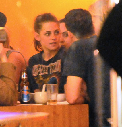kristen stewart out for dinner with rupert sanders