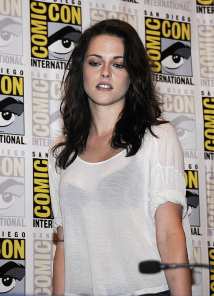 kristen stewart from twilight at comic con 2011