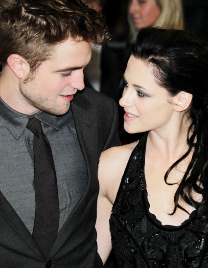 robert pattinson and kristen stewart have broken up