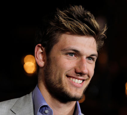 Alex Pettyfer talks stripping