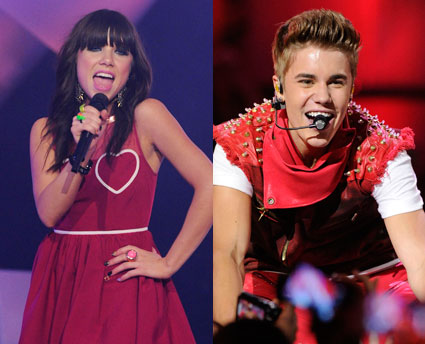 Carly Rae Jepsen and Justin Bieber perform at MMVAs