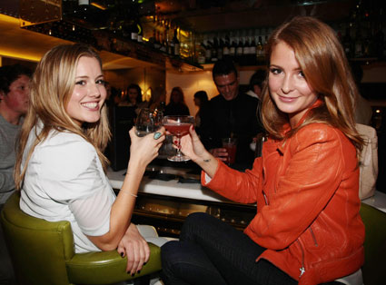 Caggie Dunlop dodges date-rape drug in her drink from two lesbians