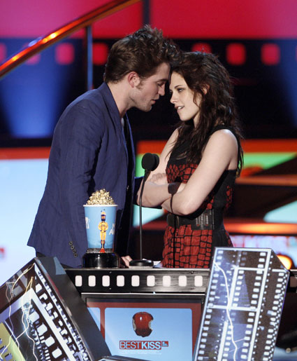 Kristen Stewart wants The Hunger Games to win best kiss