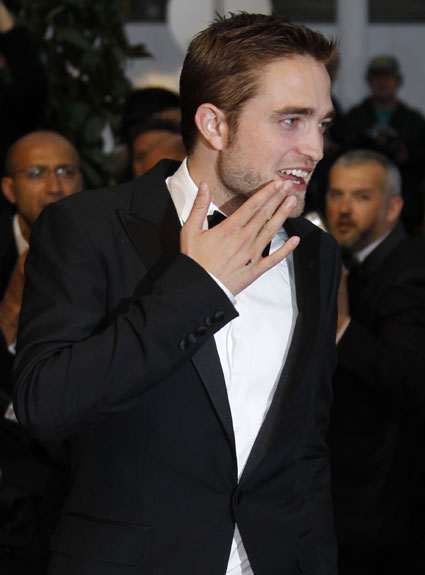 Robert Pattinson needed lessons in a british accent