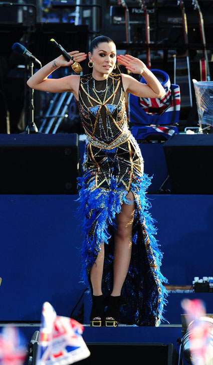 jessie j at queens diamond jubilee concert