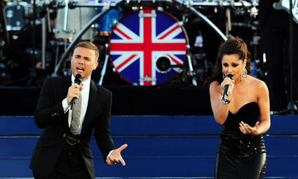 gary barlow and cheryl cole at the queen's diamond jubilee concert
