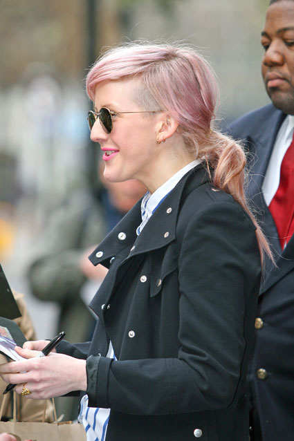 ellie goulding hair pink. The pink rinse that just won#39;t