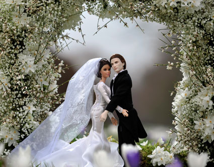 Bella Swan and Edward Cullen's Barbie wedding day