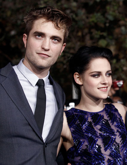 Robert Pattinson and Kristen Stewart romancing