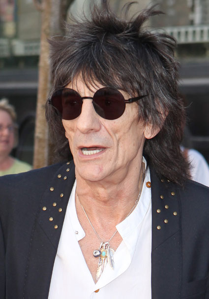 Ronnie Wood wants to play with one Direction