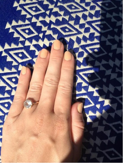 miley cyrus tweets picture of diamond engagement ring