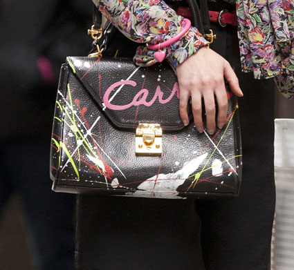 annasophia robb carrie bradshaw bag sex and the city prequel