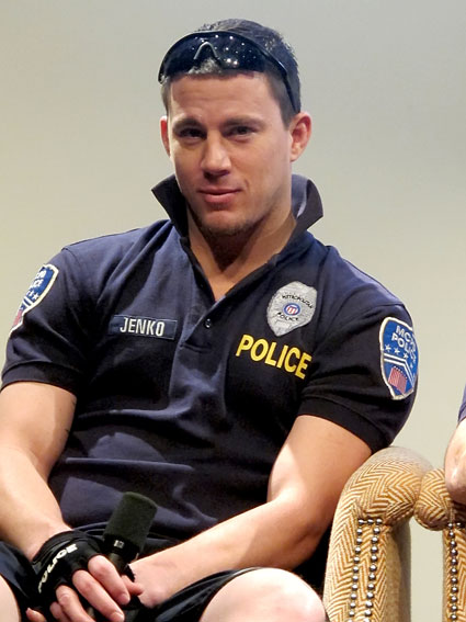 channing tatum in police man's uniform for 21 jump st