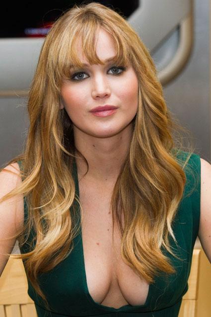 Jennifer Lawrence Makes Boob Error In Low Cut Dress At The