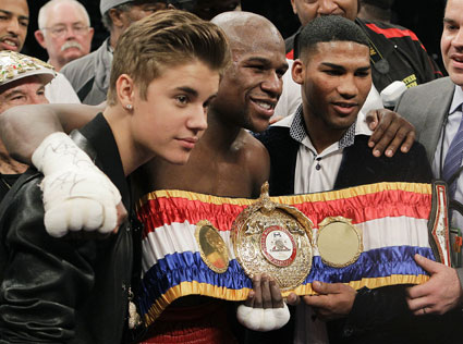 justin bieber with world boxing champions