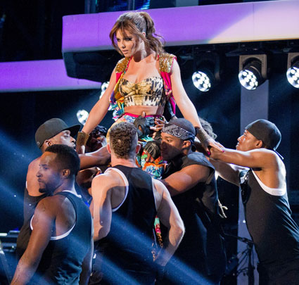 cheryl cole performs on the voice uk