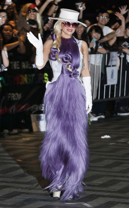 lady gaga in dress made out of hair