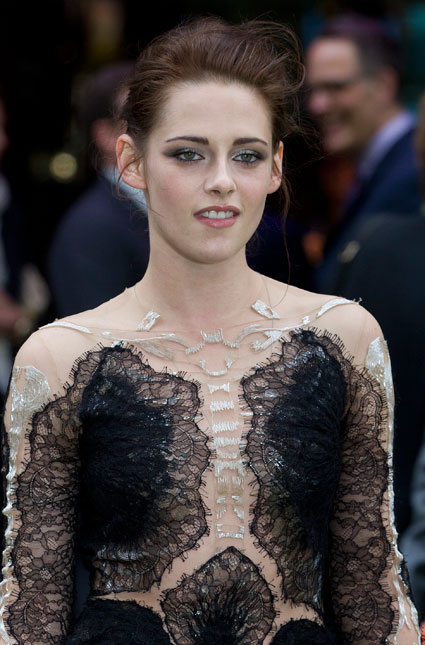 Kristen Stewart dying to star in a film with robert pattinson