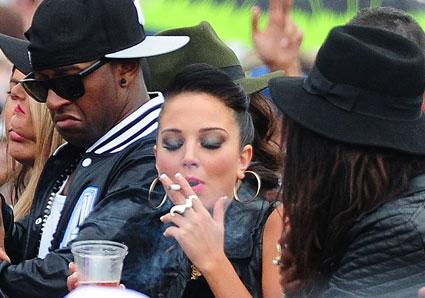 tulisa smoking