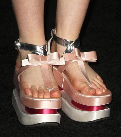 Elle Fanning shoes