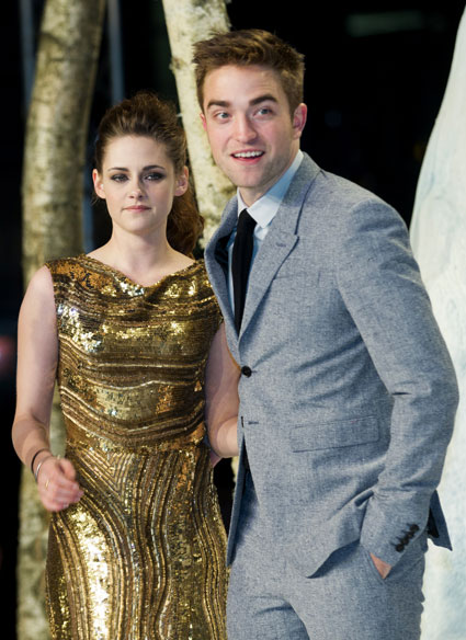 Robert Pattinson doesn';t know who One Direction are - he'd rather be in Westlife
