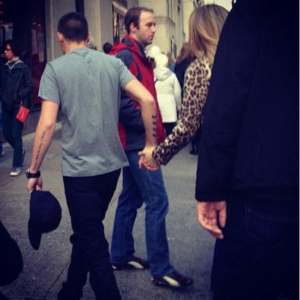 Is this One Direction's Liam Payne holding hands with Danielle Peazer in New York? PICS
