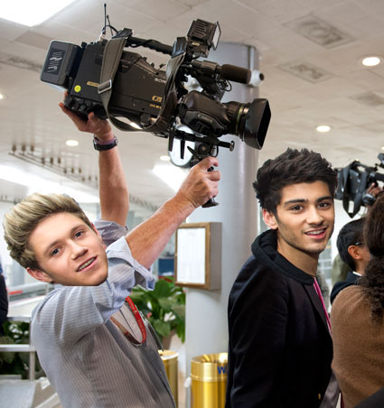Niall Horan helping to shoot One Direction 3D movie