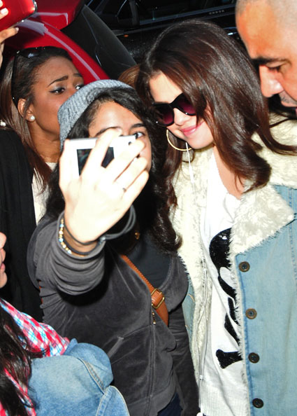 selena Gomez snapped smiling in new york