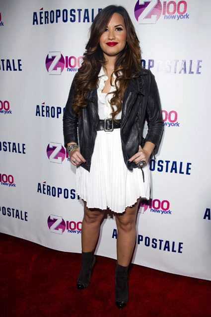 love her look demi lovatos white dress and leather