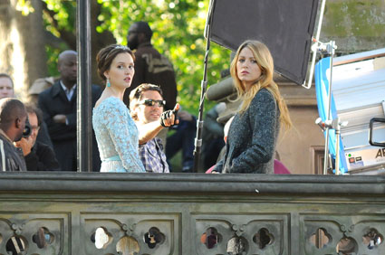 leighton meester and blake lively filming gossip girl in new york