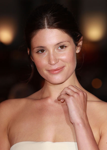 And last night Miss Arterton did just that! Gemma walked the red carpet for ...