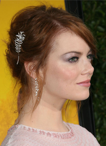 emma stone 39 s best ever beauty looks. Black Bedroom Furniture Sets. Home Design Ideas