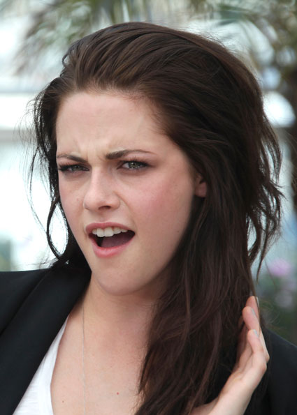 Kristen Stewart 'i'm clumsy around certain people'