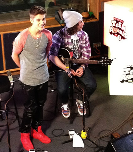 Justin Bieber exclusive magic tricks david blaine tour