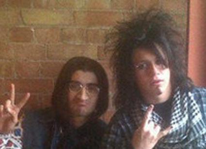 niall horan and zayn malik dress up as hippies