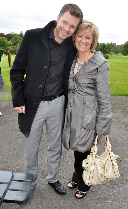 greg horan and maura niall horan one direction mum