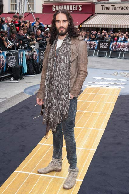 russell brand takes in a homeless man