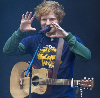 Ed Sheeran shows how big Harry's willy is