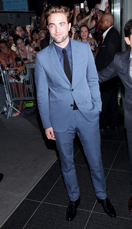 Robert Pattinson attends Cosmopolis Premiere in New York - Pics and video