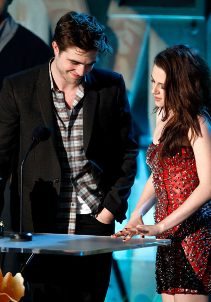Kristen Stewart pulls out of VMA appearance