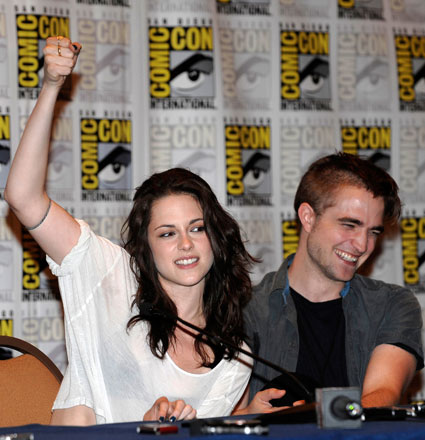 Robert pattinson and kristen stewart pull out of convention