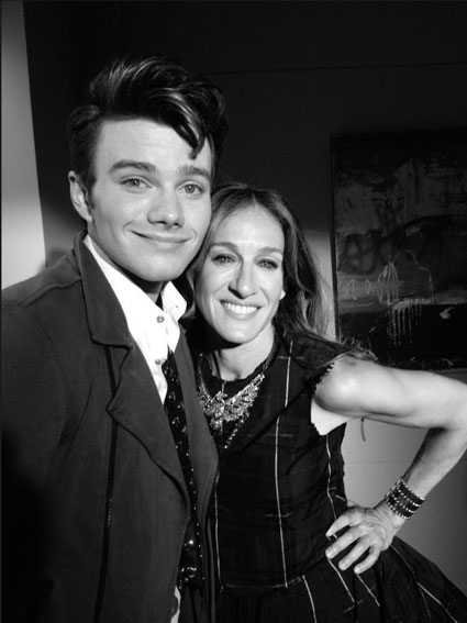 Chris Colfer and Sarah Jessica parker on the set of glee
