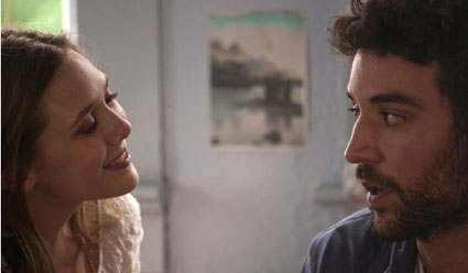Elizabeth Olsen and HIMYM Josh Radnor in Liberal Arts trailer