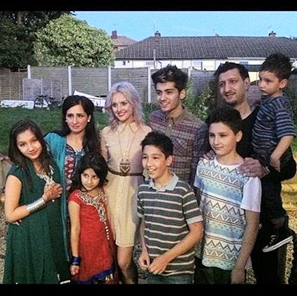 Perrie hangs out with Zayn's family - pic