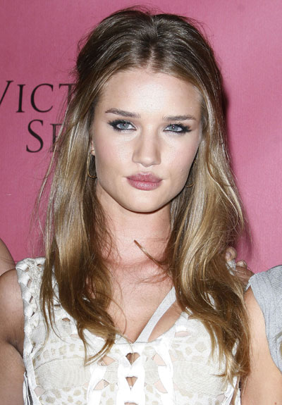 rosie huntington whiteley hair color. Rosie Huntington-Whitely#39;s