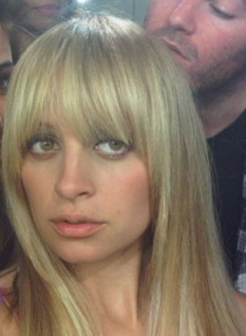 How do you guys think Nicole Richie suits her long blonde locks best.