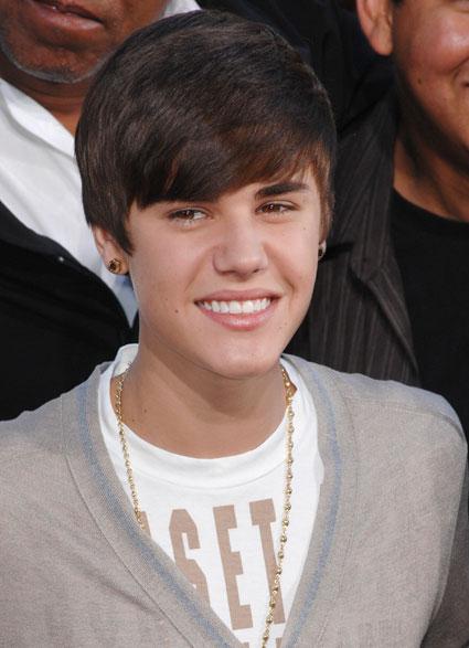 Justin Bieber at michael jackson tribute