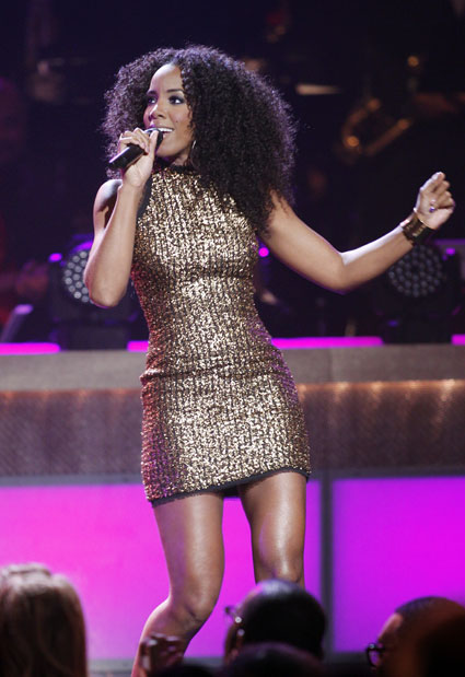 Kelly Rowland performing on stage at 2012 BET Honors