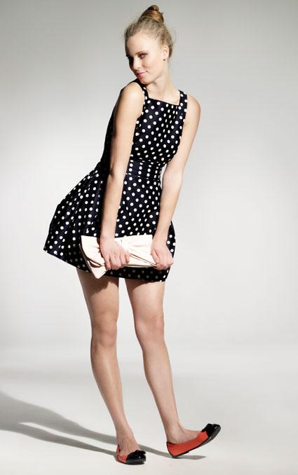 нарядов от Christian Dior в стиле 50-х годов.